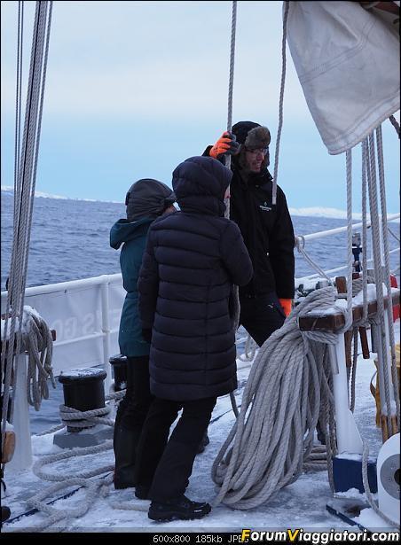 Isola di Senja in schooner-p2160126.jpg