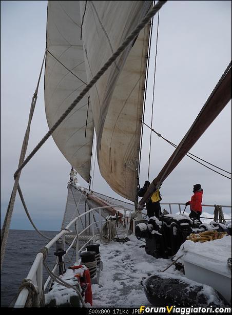 Isola di Senja in schooner-p2160140.jpg