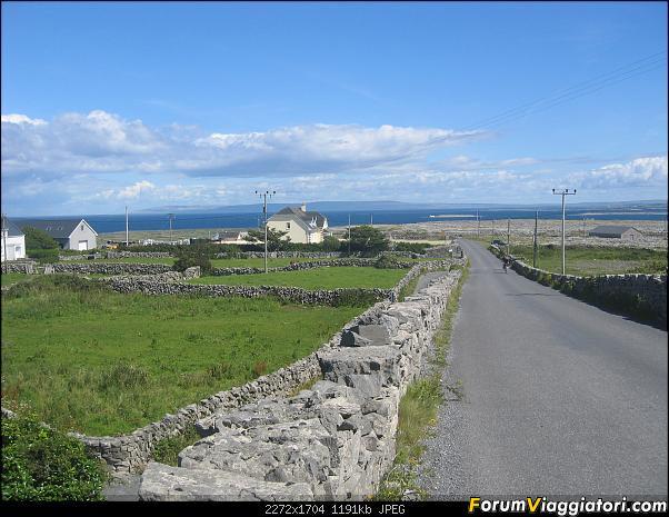 2 settimane nella verde IRLANDA-148-discesa-verso-kilronan.jpg