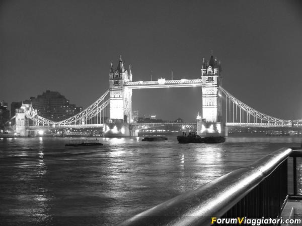 Londra Tower  bridge3 2005