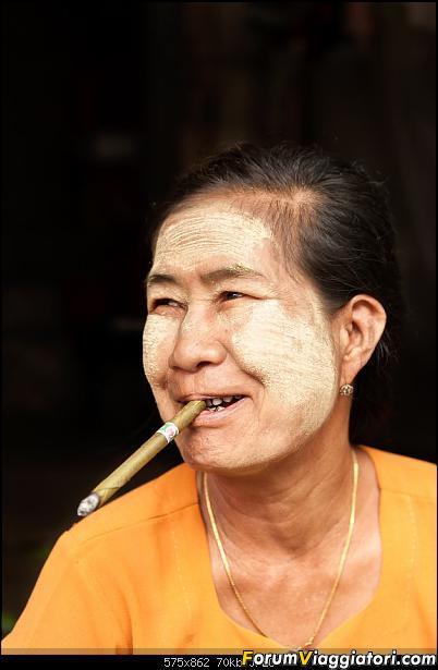 Oro, thanaka e  tonache rosse: a piedi nudi tra i colori della Birmania-_ric1786_a.jpg