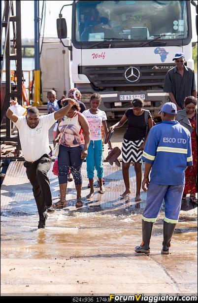 Zambia, Zimbabwe, Botswana..e anche un po' di Dubai: anteprima foto-sei_5587.jpg