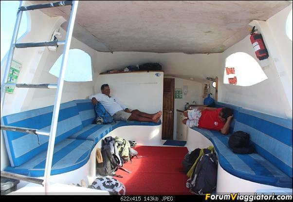 [ECUADOR - Galapagos - Escursione] Leon Dormido (Kicker Rock) daily tour-3.jpg