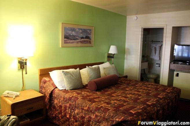 Town House Motel-town-house.jpg