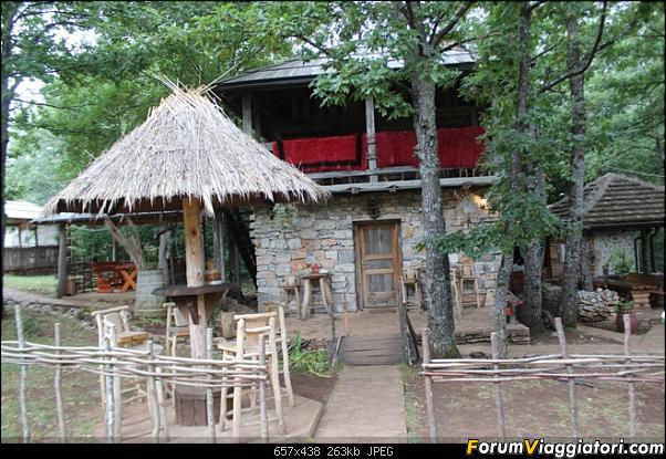 [Drvar] Etno Selo Dodig Restoran-etno-selo-dodig-8-.jpg